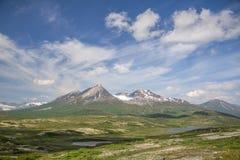 Parco e cloudscape provinciali di Tatshenshini-Alsek da Haines Highway, BC Immagini Stock