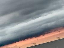 Parco eolico di tramonto Fotografie Stock