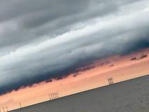 Parco eolico di tramonto Immagini Stock