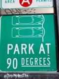 Parco a 90 gradi di segno Immagini Stock Libere da Diritti