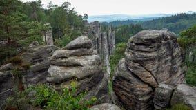 Parco naturale della colonna della roccia Vista dalle cime della montagna fotografia stock libera da diritti