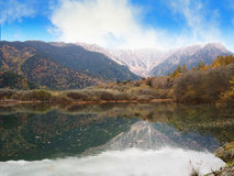 Parco naturale di Kamikochi in autunno Fotografie Stock Libere da Diritti