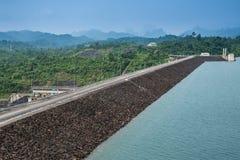 Parco nazionale del sok di Khao della diga di Rajjaprabha (Chiew Larn), suratthani della Tailandia Immagini Stock