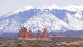 Parco nazionale di arché nell'Utah - punto di riferimento famoso archivi video