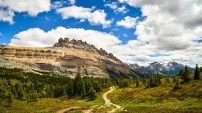 Parco nazionale di Banff del passaggio di LDolomite di Mountain View Immagini Stock