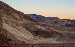 Parco nazionale di Death Valley dopo il tramonto - bella vista nella sera Immagine Stock Libera da Diritti