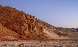 Parco nazionale di Death Valley dopo il tramonto - bella vista nella sera Immagine Stock