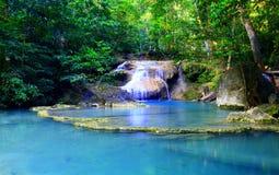 Parco nazionale erawan di caduta dell'acqua di Erawan, Kanchanaburi, Fotografia Stock
