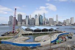 Parco Pier Two del ponte di Brooklyn Fotografie Stock Libere da Diritti