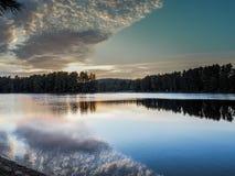 Parco provinciale del Algonquin di Ontario di tramonto del lago 2 mew Immagine Stock