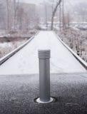 Parco sotto una prima neve Fotografie Stock Libere da Diritti