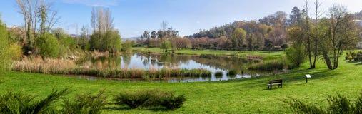 Parco urbano di Parque da Devesa in Vila Nova de Famalicao, Portogallo immagini stock libere da diritti