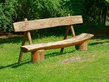 Parco vuoto del banco di legno Fotografie Stock