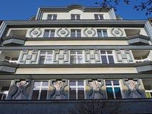 Pardubice, Tschechische Republik Die Fassade der historischen Gebäude im Stadtzentrum Lizenzfreie Stockbilder