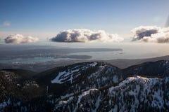 Pardwy góra z Vancouver śródmieściem w tle Zdjęcia Stock