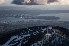 Pardwy góra z Vancouver śródmieściem w tle Zdjęcie Stock