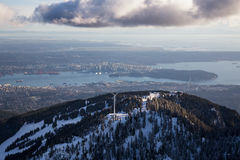 Pardwy Halny widok z lotu ptaka z Vancouver w tle Fotografia Stock