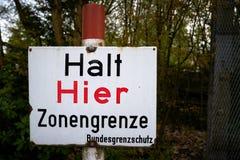 Pare aquí la frontera zonal Imagen de archivo