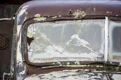 Pare-brise cassé de camion de ferme Photographie stock