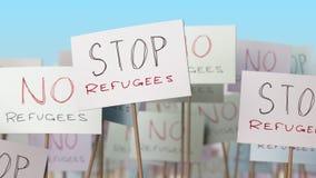 Pare cartazes dos refugiados na demonstração da rua Animação loopable conceptual video estoque