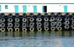 Pare-chocs faits de vieux pneus Photos libres de droits