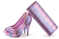 Pare das sapatas brilhantes cor-de-rosa e do saco de harmonização Fotos de Stock Royalty Free
