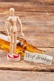 Pare de beber e torne-se de pensamento Imagens de Stock