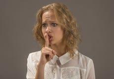 ¡Pare el hablar! Expresión humana de la cara de la emoción fotos de archivo