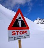 Pare el siganage en las montan@as Imagen de archivo libre de regalías