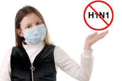 Pare la gripe. Muchacha en máscara protectora Imágenes de archivo libres de regalías