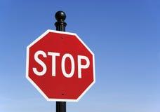 Pare la señal de tráfico Imagen de archivo libre de regalías