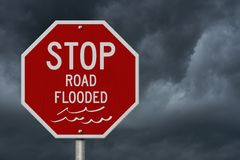 Pare la señal de tráfico roja inundada camino de los E.E.U.U. ilustración del vector