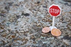 Pare los centavos euro imagen de archivo