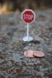 Pare los centavos euro imágenes de archivo libres de regalías