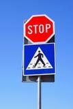 Pare o cruzamento de pedestre Imagens de Stock Royalty Free