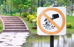 Pare o sinal dos peixes da liberação Fotografia de Stock Royalty Free