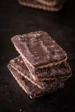 Parecchi biscotti del cioccolato in pila Fotografia Stock Libera da Diritti