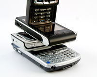 Parecchi telefoni mobili moderni PDAs Fotografia Stock Libera da Diritti