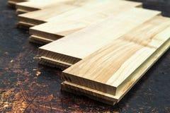 Parecchie plance di bella pavimentazione del parquet o del laminato con il wo Fotografia Stock
