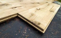 Parecchie plance di bella pavimentazione del parquet o del laminato con il wo Fotografia Stock Libera da Diritti