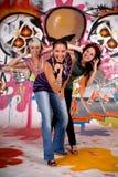 Pared adolescente de la pintada de las muchachas Imagen de archivo libre de regalías