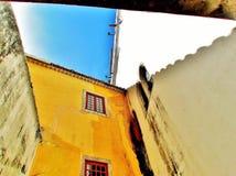 Pared amarilla Fotografía de archivo libre de regalías