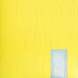 Pared amarilla Imágenes de archivo libres de regalías