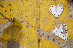 Pared amarilla del amor Fotos de archivo