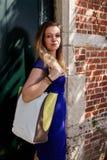 Pared antigua de la puerta de la mujer rubia, Groot Begijnhof, Lovaina, Bélgica fotografía de archivo