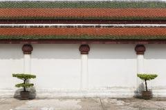 Pared blanca del templo Imagen de archivo libre de regalías