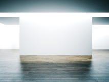 Pared blanca grande en interior del museo con de madera Fotos de archivo