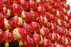 Pared china roja de la linterna Foto de archivo libre de regalías