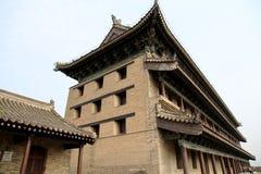 Pared china y puerta de la ciudad antigua en la ciudad de Xian Fotos de archivo libres de regalías