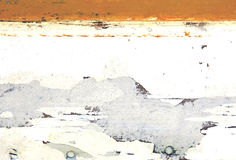 Pared con el modelo blanco y anaranjado retro resistido Foto de archivo libre de regalías